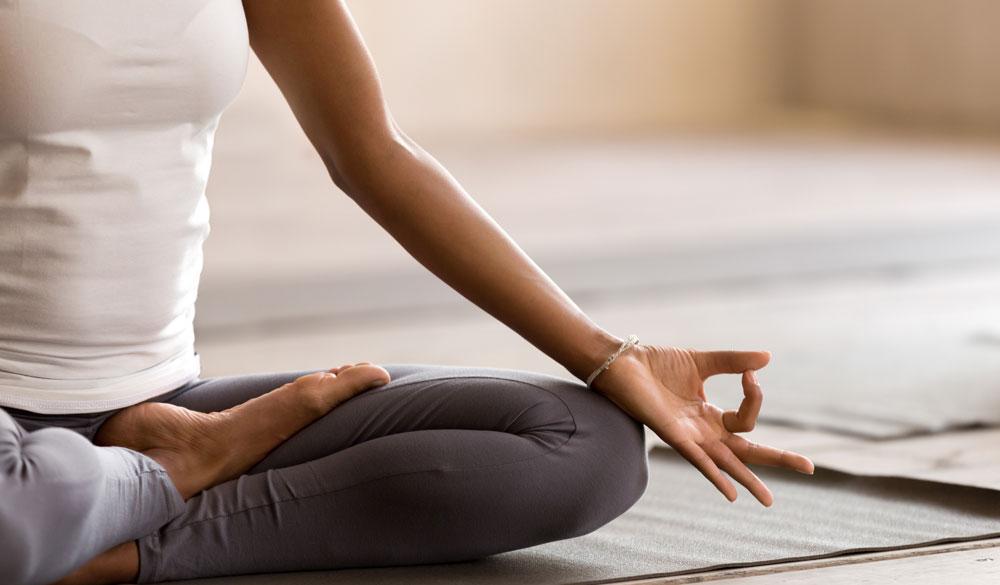 CBD und Yoga: So finden Sie Ihre innere Ruhe und Balance